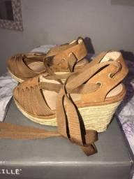 Sandália alta anabela