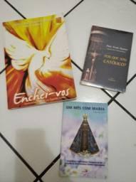 Três livros católicos
