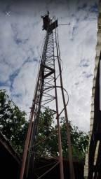 Torre auto portante, internet e rádio