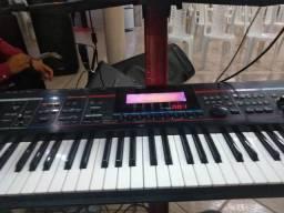 Roland Juno stage 76 teclas pra vender rápido