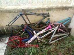 Quadros variados de bicicleta - 29 reais cada