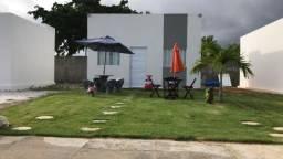 Casa cond. fechado na Massagueira medindo 10x21 de terreno,lazer completo por 199mil!