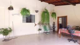 Título do anúncio: Casa com 3 dormitórios à venda, 250 m² por R$ 690.000,00 - Setor Leste Universitário - Goi