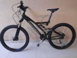 Bicicleta Diamond Back Preta - Aro 26 - 30 marchas - All Mountain - Nova