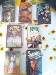 Livros Sidney Sheldon, Agatha Christie entre outros autores