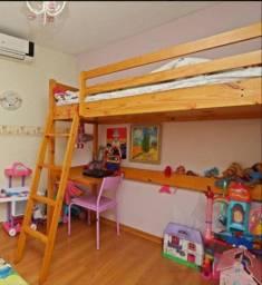 cama beliche tokstok alta, com escrivaninha