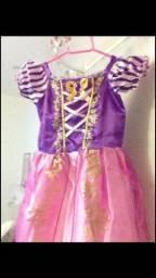 Vestido fantasia Rapunzel
