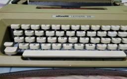 Maquina De Escrever Olivetti Lettera 25