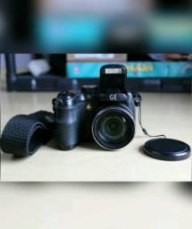 Câmera digital GE X500 Pro Series c/ alça e case especial