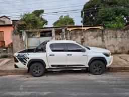 Toyota hilux 2.8 sr 4x4 challenge