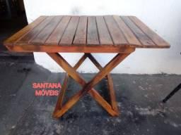 Mesa de madeira dobrável. 0.98 x 0.74 x 0.70 A