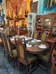 Mesa com 8 cadeiras Imbuia R$ 2.000,00