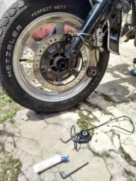 Caneta marca pneu