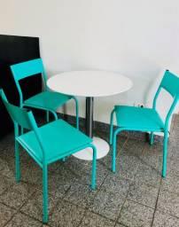 Conjunto Mesa e Cadeiras TokStok
