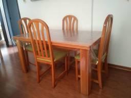 Vendo Mesa Pinus c/ 6 cadeiras