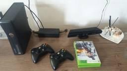 Xbox 360 completo e com jogos na mídia e físico.