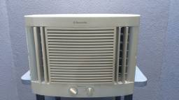 Ar Condicionado de Janela Eletrolux 7.500 btus