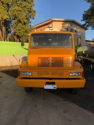Caminhão 2318 91/91 truck 6x2 no chassis