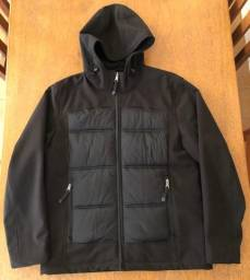 Jaqueta impermeável Guess tamanho G - Importada (EUA)