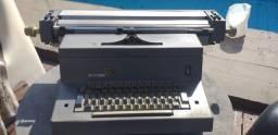 Título do anúncio: Vende-se máquina de escrever