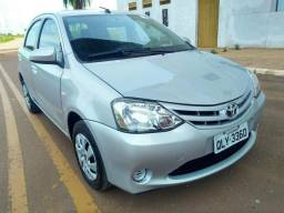 Etios hatch xs 1.5 flex mt 2016/2017 - 2017