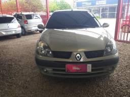 Clio Sedan 1.0 - 2005