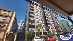Título do anúncio: Apartamento Amplo com Elevador