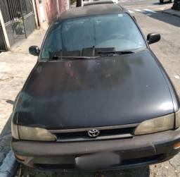 Toyota corolla 1995,modelo :LE 1.8 gasolina câmbio manual e piloto automático.