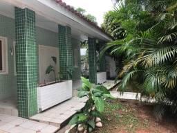 Aluga-se anual linda casa em Balneário Camboriú/SC