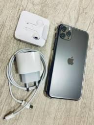 IPhone 11 Pro Max 64 gb space gray batida leve no vidro, canto superior, zerado