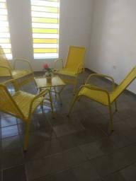 Conjunto de cadeiras e mesa para patio novissimas nunca foi usada
