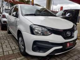 JA* Toyota Etios Hatch X 1.3 FLEX 16V 5P 2018/2019 Branco.