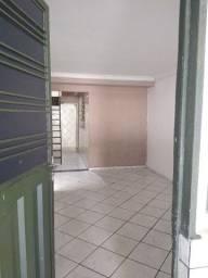 Casa  2/4 sala copa cozinha garagem 2 banheiros a 100m da Anhanguera  98506 14 42