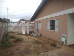 Vendo Casa de 03 quartos com 01 suíte no Guanabara