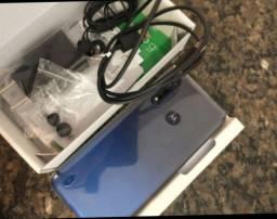 Moto G8 Power lite 01 mês de uso com nota fiscal pra vender hoje só R$1.200
