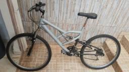 Bicicleta Aro 27 (venda por tempo encostada): R$: 500,00