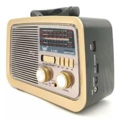 Rádio am/fm retrô com bluetooth, pen drive e lanterna(novo)
