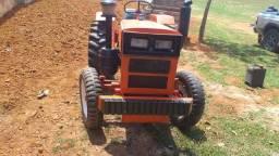 Trator Agrale 4200 com grade aradora e roçadeira