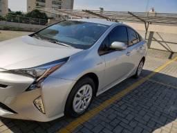 Automóvel Toyota Prius 2018, única dona, com baixa quilometragem! Impecável!