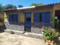 QD 26 América do Sul, casa 3 quartos forrada R$ 70.000,00