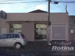 Casa à venda, 3 quartos, 1 vaga, Martins - Uberlândia/MG