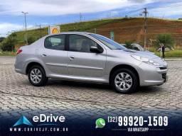 Peugeot 207 Sedan Active 1.4 Flex 4p - Completo - Muito Espaçoso - Baixo KM - 2014