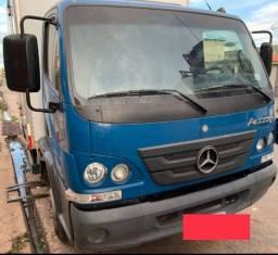 Caminhão 815