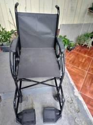 Cadeira de roda.