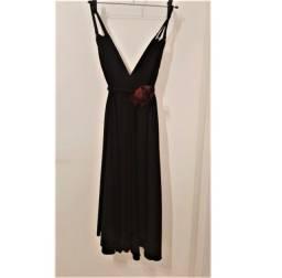 Vestido curto, preto, esvoaçante