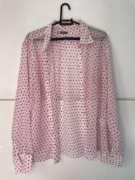 Blusinha fina rosa clara com bolinha pink