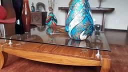 Mesa de centro de madeira maciça com vidro de 10mm