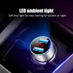 Carregador veicular voltímetro usb dual led mini
