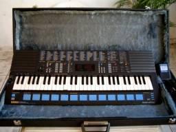 Teclado Yamaha Digital Synthesizer PSS 680 Midi + Case Rigido + Fonte + Cabos