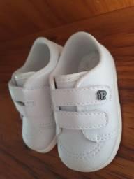 Sapato infantil marca Pimpolho.